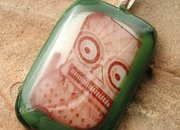 Etsy seller offers glass robot-themed pendants  - photo 2