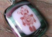 Etsy seller offers glass robot-themed pendants  - photo 3