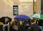 UK iDay: iPhone queues begin!  - photo 1
