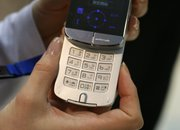 Wellness phone promises to keep you fit on the go - photo 4
