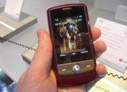 LG presents 18K. gold Iron Man mobile - photo 2