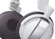Sony shows off MDR-NC7 noise canceling headphones - photo 2