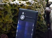 LG unveils solar power phone too - photo 3