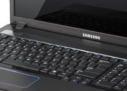 Samsung announces 17.3-inch R720 notebook - photo 1