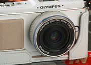 Olympus E-P1 sees official launch - photo 2