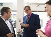 Nokia trots out Stephen Fry at N97 launch - photo 2