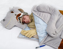 VIDEO: Tauntaun sleeping bag up for pre-order