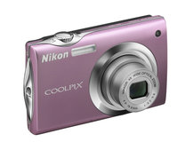 Nikon launches touchscreen S4000, 26x zoom P100