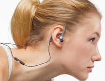 Radiopaq Flex(es) its muscles with sports earphones