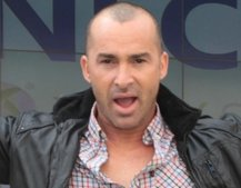 Louie Spence crowns Kevin Cruise Kinect Dance Central champion
