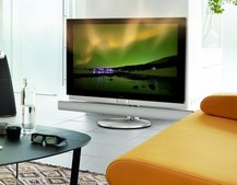 Bang & Olufsen takes BeoVision 7-55 3D