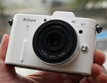 Nikon 1 V1 pictures and hands-on