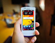 Nokia 700 pictures and hands-on