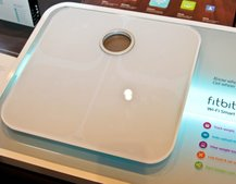 Fitbit Aria Wi-Fi scale shares weight with the web: Foursquare for fatties