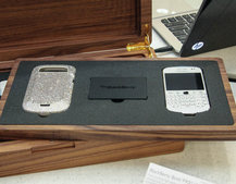 Harrods Swarovski BlackBerry Bold 9900 White pictures and hands-on