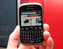 BlackBerry Curve 9320 pictures and hands-on