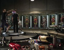 Iron Man 3: First on set image shows plenty of Iron Men, plural