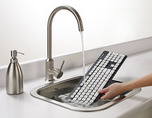 Logitech Washable Keyboard K310: Now you can rinse off your mess