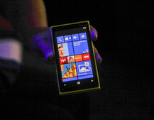 Nokia Lumia 920 unveiled as flagship Windows Phone 8 smartphone