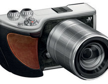 Hasselblad joins forces with Sony for Lunar mirrorless compact system camera