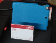 New iPad mini cases pictured as manufacturers prepare for launch, strange new rear hole appears