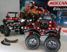 Meccano Evolution shrinks parts for more detailed models (pictures)