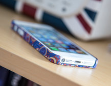 Pretty Green Paisley iPhone 5 Cases pictures and hands-on