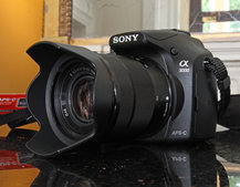 Sony A3000 hands-on: Cheap body, NEX lenses