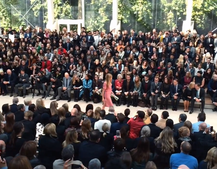Watch Burberry's London Fashion show: 15-minute video shot with 14 iPhone 5S phones