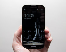 Samsung Galaxy S4 Black Edition pictures and hands-on