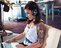 Blue Microphones enters headphones market with Mo-Fi, something a bit different