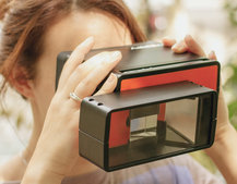 Bet the iPhone 6 won't do this: Poppy 3D turns iPhone into 3D camera