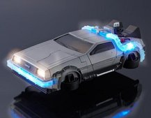This DeLorean iPhone 6 case won't let you time travel but still lights up and more
