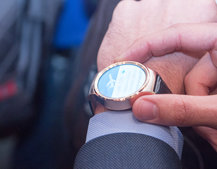 Android Wear watch faces are now interactive: Here's what they can do