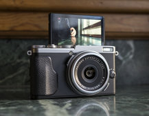 Fujifilm X70 hands-on preview: 28mm fixed-lens compact adds the X factor