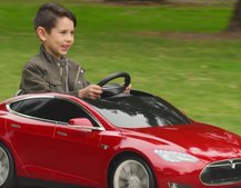 Radio Flyer made a Tesla Model S for kids, with working headlights and more