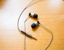 Cambridge Audio SE1 earphones give you Beryllium drivers for under £100, profits go to charity