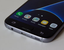 """Samsung Galaxy S8 """"confirmed"""" to ditch headphone jack and retain 2K display"""
