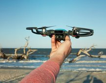 DJI Spark is a very smart, tiny drone that fits in your hand