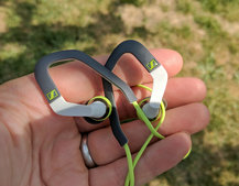 Sennheiser OCX 686 review: Wired for sports