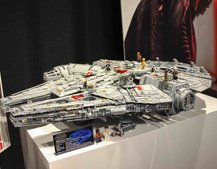 Ultimate Collector Series Lego Millennium Falcon in pictures, all 7,541 pieces of it