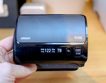 Omron EVOLV: Blood pressure monitoring on the move with your phone