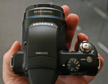 Samsung WB5000 digital camera