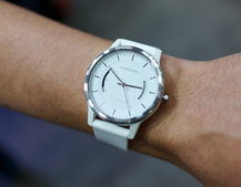 Garmin Vivomove hands-on preview: Step-tracking gets stylish