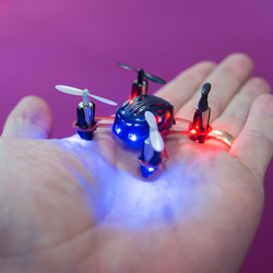 World's tiniest quadcopter, the Nano Quadcopter, takes to the skies (video)
