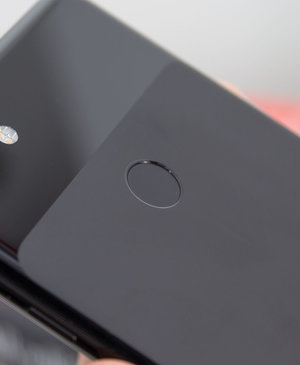 Google patent seems to show an all-glass, notchless Pixel 4 smartphone