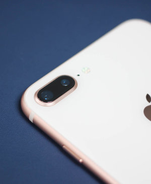 A cheap iPhone is again rumoured using iPhone 8 tech