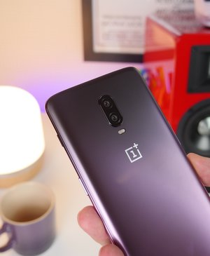 OnePlus 7 Pro specs leak, official tease confirms 90Hz display