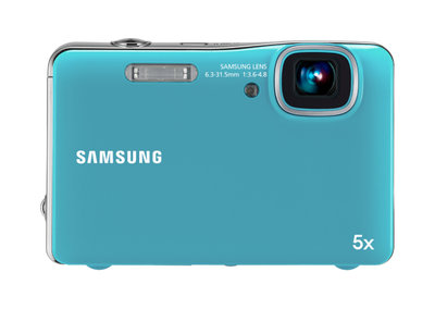 Samsung W10/AQ100 digital camera lets you snap while getting wet