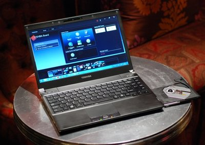 We go hands on with the Toshiba Portege R700